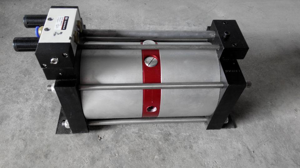 天然气增压泵